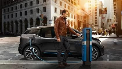 BMW throws a cord to i3 EV