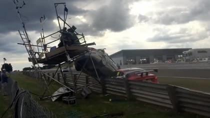 BTCC Start line crash