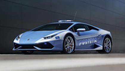 Italian cops land a Huracan LP610-4